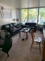 Spacious Two Bedroom Close to Campus- Great for Four