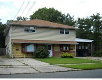 2 bedrooms open starting September in affordable, convenient duplex in nice neighborhood in Edison