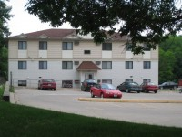 2 Bedroom On U of I Campus FREE Cable, Internet, Parking & More