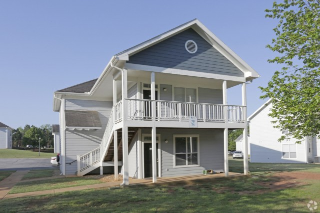 Sublease house from January to July with TWO MONTH PAYMENT FREE