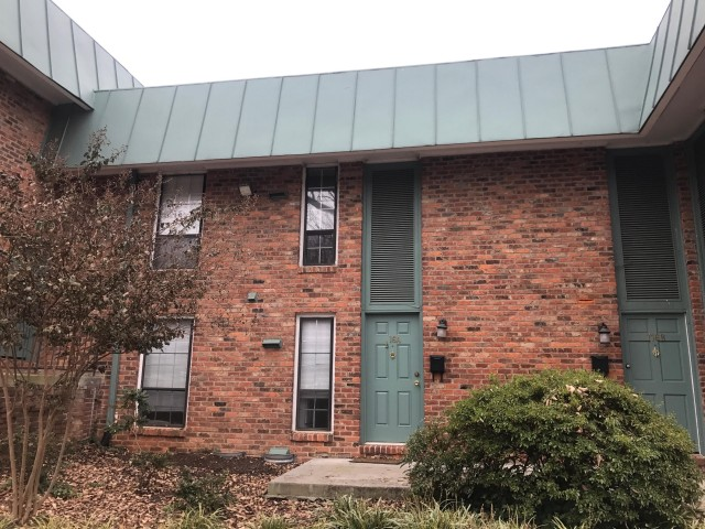 Oxford Hill Spring Sublet