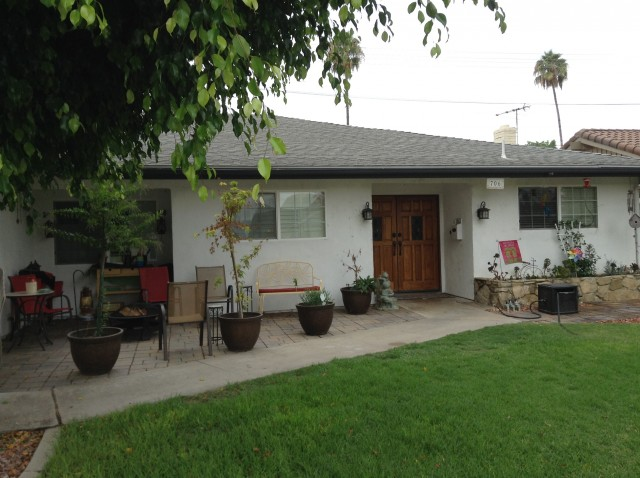 CSUF Perfectly Simple Furnished Room for Rent