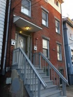 2-Bedroom Apt On College Ave (Summer Or 15 Mo Lease)-WILL GIVE YOU $1000 TOWARD YOUR SECURITY DEPOSIT
