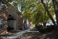 818 College Avenue Summer Sublease
