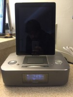 Philips clock Radio with ipad iphone dock