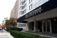 Bright and spacious apartment available for lease at GWU campus (Statesman apartment)