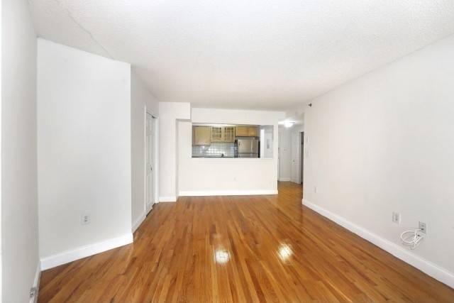 Amazing Kingsbridge Location! 3880 Orloff Ave. Renovated 2BR w/SS Kit/Free Gym!