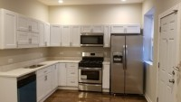 Spacious Modern 3 bd, 1bth available immediately, walking distance to U of C.