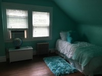 Room For Rent in October