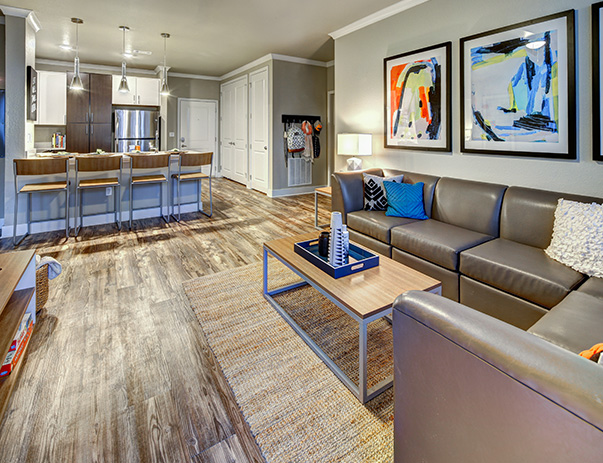 UCenter Sublease Spring+ BEST PRICE