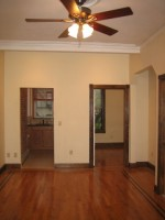 Spacious 2 BR Apartment 10th & Willow - By Owner - No Fee