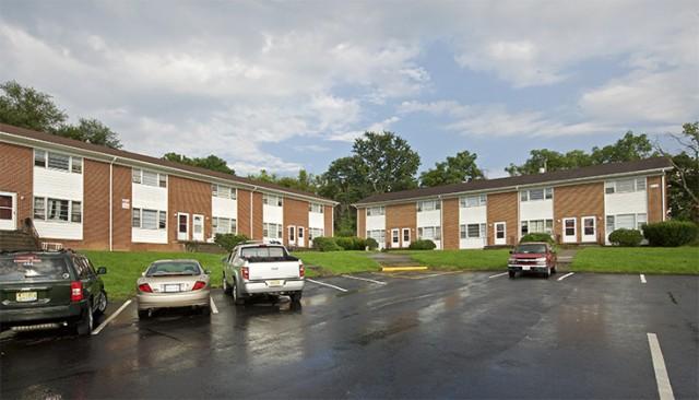 College apartments in blacksburg college student apartments for One bedroom apartments in blacksburg va