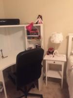 black ergonomic desk chair