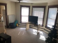 Subletting 1-bedroom house apartment at 822 Arch St available through May- August