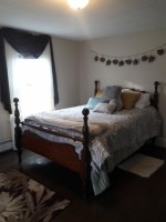 Walk to CCSU Furnished Room Female Roommate
