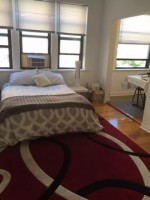 Subleasing Studio Apartment in Hyde Park 3 blocks from UofC