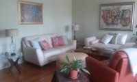 Beautifully Furnished 3BR, 2BA Condo in Hyde Park