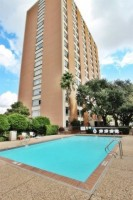 1 bed/1 bath Mid-High rise condo for lease/12th floor