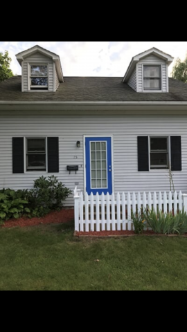2-3 bedroom house in south hadley. Walking distance to MhC