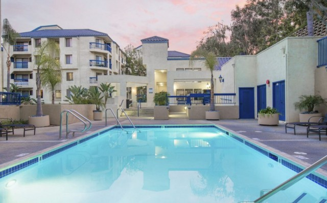 FULLY FURNISHED STUDENT APARTMENTS NEAR CSULB