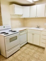 Downtown 2 bd apt. Possible $100 discount MONTHLY! Private enclosed patio!