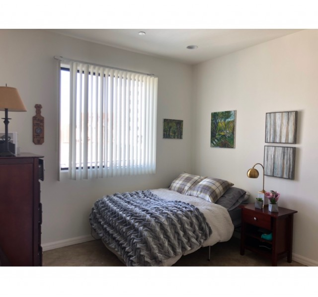 Spacious Penthouse Apartment in Westwood!