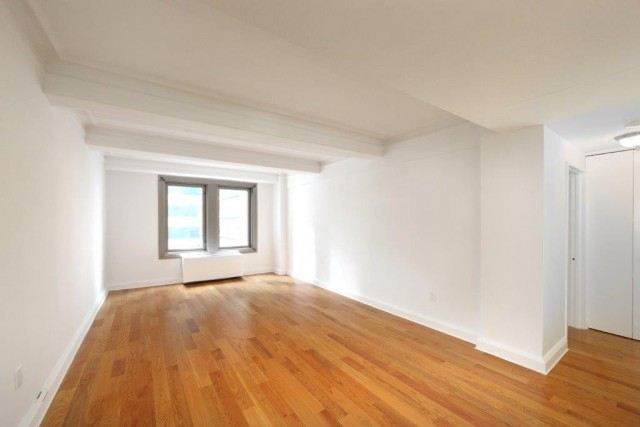 Huge 2 Bed, 2.5 Bth w/Fplc, Den & W/D Avail in Midtown's Finest White Glove Pre-War Building. NO FEE. OPEN HOUSE SAT/SUN 11-2