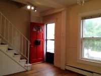 $3,200 / 2br - 1142ft² - Sunny Two Bedroom Rowhouse w Second-Story Sunroom (Upper Georgetown/Burleith)