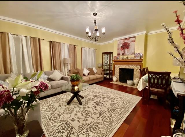 Large Furnished Bedroom in Prime Location