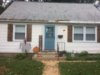 ISO 2 roommates- great deal