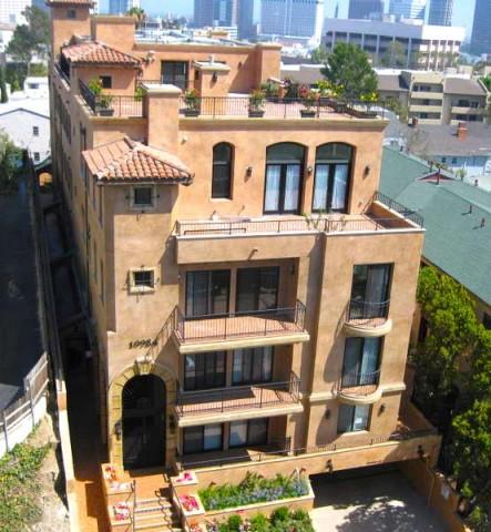 All-Girl Apartment Near UCLA Fall