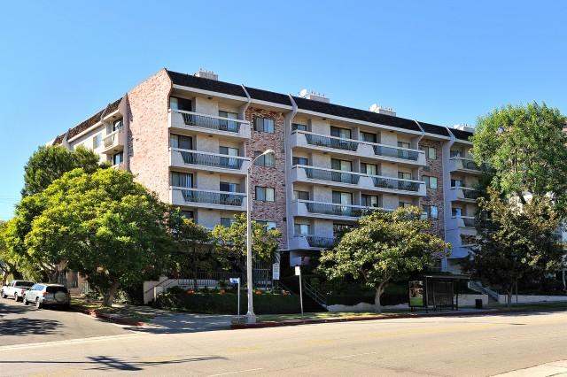 Studio apartment Close to UCLA Campus and Century City