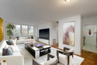 Murray Hill Super Spacious 1 Bed/Flex 2 + Balcony. Stainless Kitchen, 24 Hr Doorman & Roof Deck.