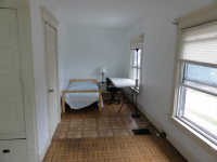 2 rooms available in 4 bed/1.5br 1 block from South Campus