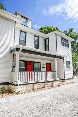 Pre Leasing Now! 2BR/1BT Unit close to MSU and Downtown Springfield
