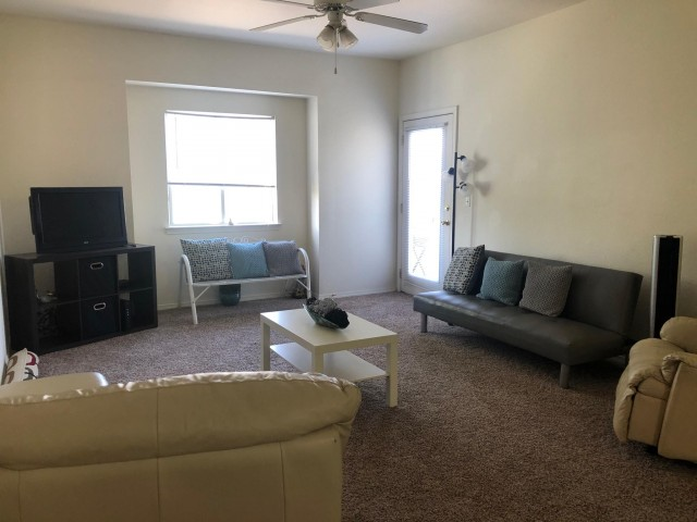 1 Room with private bathroom and walk-in closet