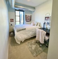 Private Bedroom and Bathroom in Vic Village April - August