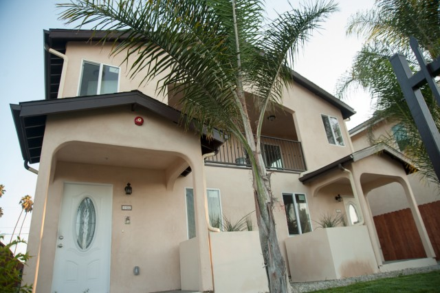 Beautiful 4 bedroom 3 bath duplex apartment for lease close to USC