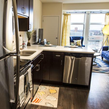 Sublet-Own Bedroom w/ bath attached (4person 4bed 4bathroom unit)