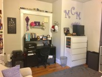 1 BDR 1 BR in 5 Bedroom House April 1 - August 1 (Flexible)