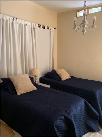Private bedroom/bath with own separate entrance (6 min drive to UCLA and 15 by bus)