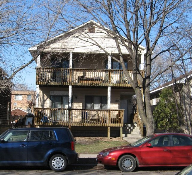 5 Bedroom 2 Bathroom Big Nice Duplex for Rent - Next to U of M Campus! - (Unit: 1105-3)