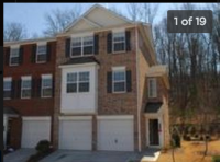 Room for rent in a 3bdr 3.5 bath Townhome