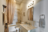 *Luxury Condo* @ 43rd & S. Ellis Ave. Newly constructed condo - constructed in 2015
