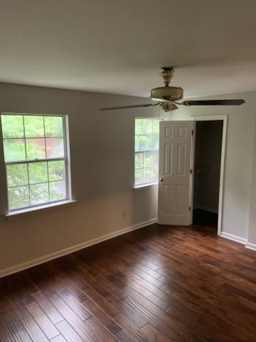 Looking for Roommate in Clairmont