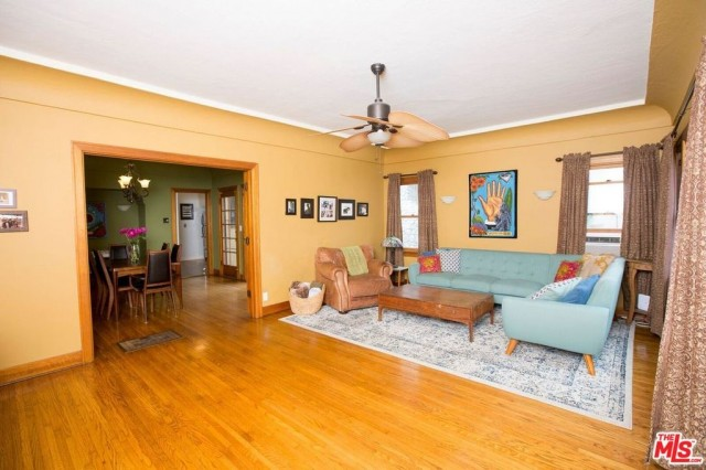 5 blocks from the beach - Charming 3 Bedroom House