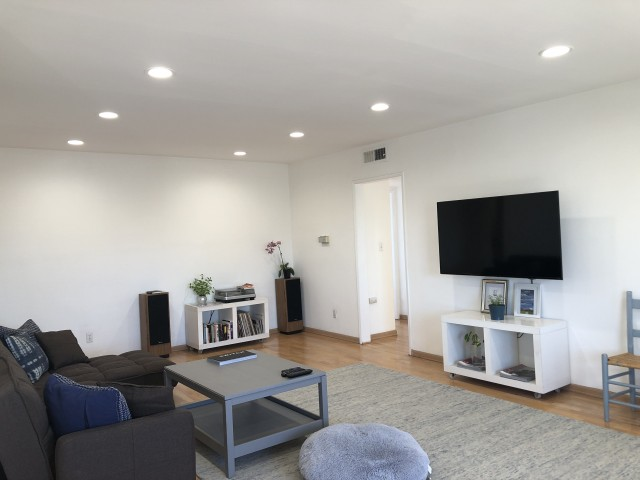 Private Bedroom and Bath in a 2Bed 2Bath Apartment in North Hollywood