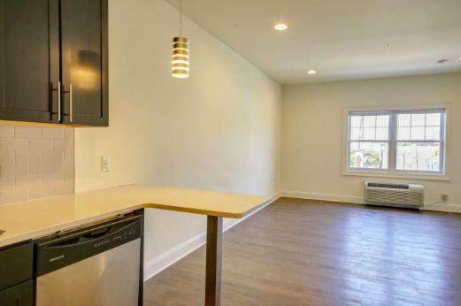 Studio (1-2 people) - 12 Bartlett - Premium Rutgers Off Campus Housing