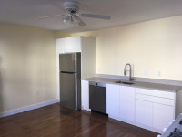 Union Square - newly renovated large one-bedroom - in-unit laundry