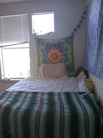 spring sublease across from UNT, near TWU! First month paid!